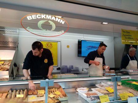 """""""Beckmann Fisch"""" auf dem Heider Wochenmarkt - Foto von Luise Bo""""Beckmann Fisch"""" auf dem Heider Wochenmarkt - Foto von Luise Bonnessnness"""